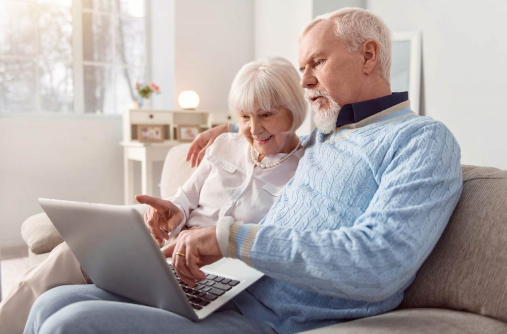 how couples can maximize the social security benefits